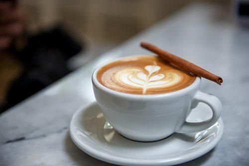 Coffee heart late with cinnamon.